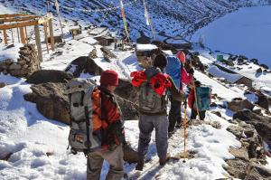 Beginning the march from Gosaikunda towards the high pass of Laurebina La