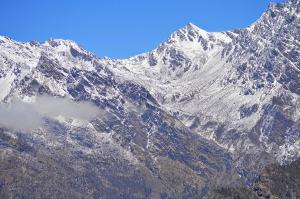 Laurebina La from the south with snow