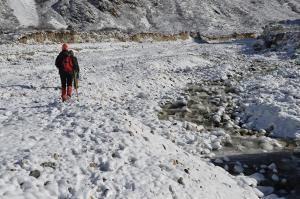 An icy morning start to a hike up the Langtang Valley to Langsisha Kharka
